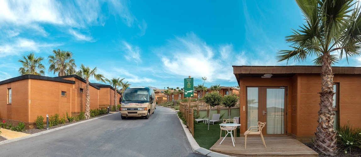 Service de shuttle pour les loges magic natura animal, waterpark resort benidorm