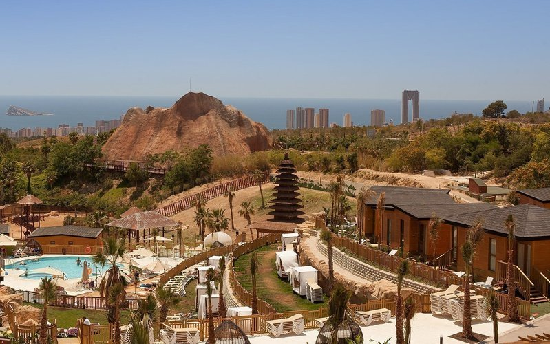 Vues aériennes du resort magic natura animal, waterpark & polynesian resort magic natura animal, waterpark resort benidorm